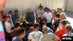 Bosniyadan gətirilmiş qeyri-leqal miqrantlar Bakı, 23 oktyabr 2009
