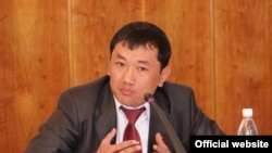 Parliament deputy Sanjar Kadyraliev was shot dead near his home in Bishkek in 2009.