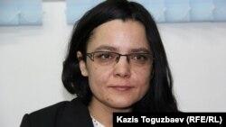 Gazetarja Yulia Kozlova