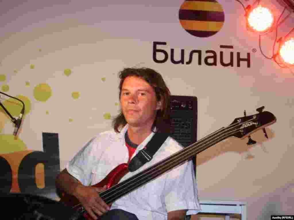 """""""Мубай"""" төркеме бас-гитаристы Линар Ризатдинов"""