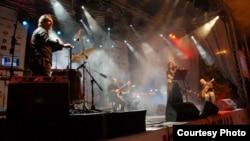 Македонскиот музички бенд Митан.