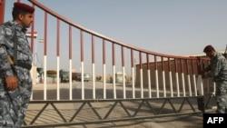 بوابة في معبر حدودي بين العراق وإيران