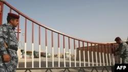 عناصر أمنية عراقية على نقطة حدودية
