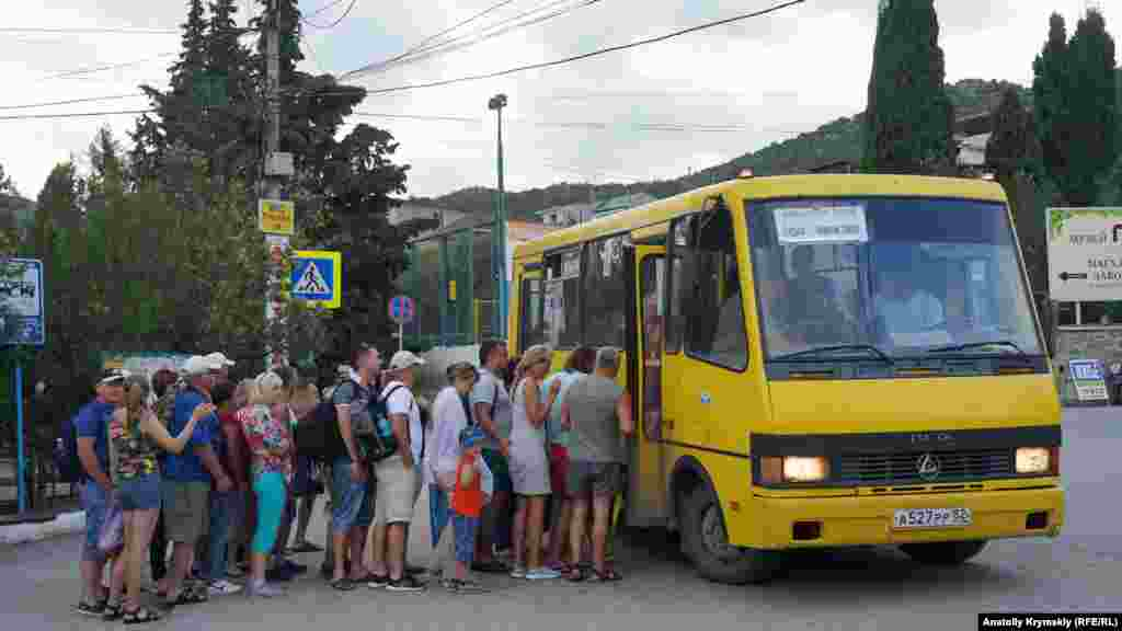 Автобус до Судака