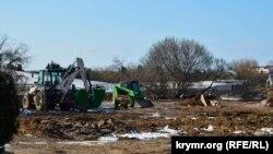 На большей части территории парка сейчас царит разруха и конца работам не видать