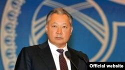 Құрманбек Бакиев, президент болып тұрған кезі. 23 наурыз 2010 жыл.