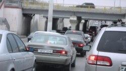 'Köçeler ýapylansoň awtobus sürüjileri ugruny ýitirdiler'