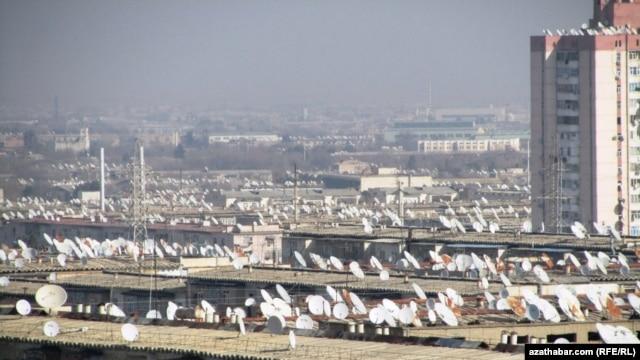 Satellite television dishes in one neighborhood of Ashgabat