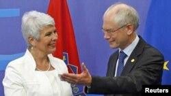 Архива: Хрватската премиерка Јадранка Косор и претседателот на Европскиот совет, Херман ван Ромпуј.