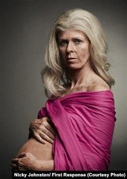 """Кейт Гаррауэй на плакате """"Сохраним Британию фертильной"""""""