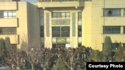 Iranian students clash with Basij militia at Azad University of Mashhad