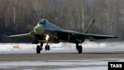 """The Sukhoi """"fifth-generation"""" fighter jet makes its maiden test flight."""