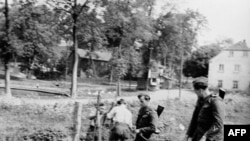 پلیس مرزی آلمان شرقی در اواخر دهه پنجاه میلادی