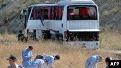 სტამბოლში აფეთქება იმ ავტობუსის მახლობლად მოხდა, რომელსაც სამხედრო პირები გადაჰყავდა