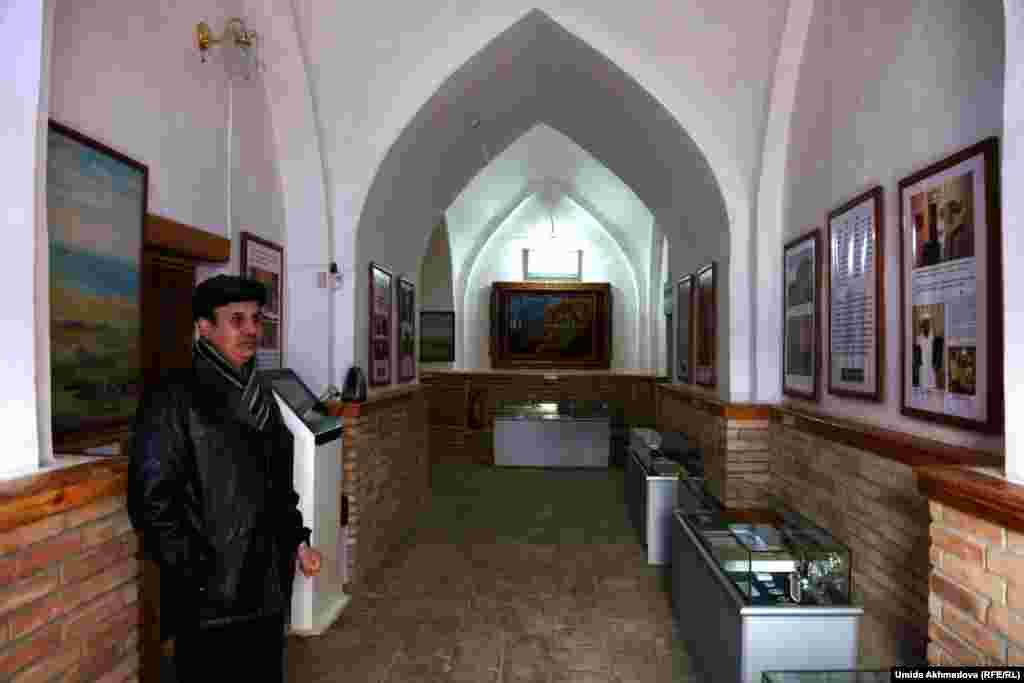 Серғазы хан медресесінің ішінен ашылған Бекет Ата музейі.
