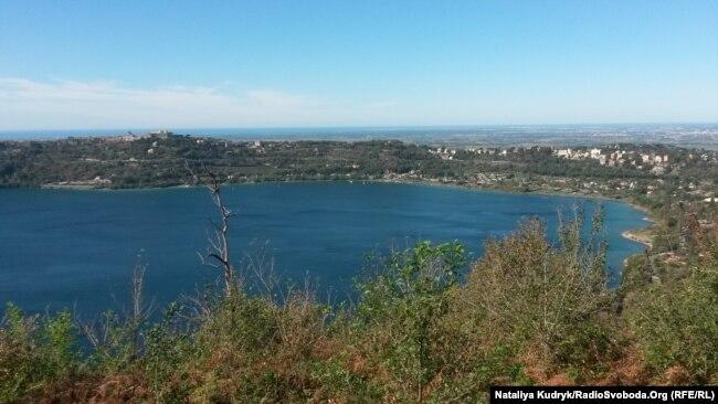 Панорама озера Альбано