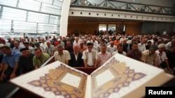 Molitva u džamiji u Rijeci, maj 2013.