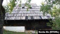 Rodna kuća Dimitrija Tucovića u zlatiborskom selu Gostilje
