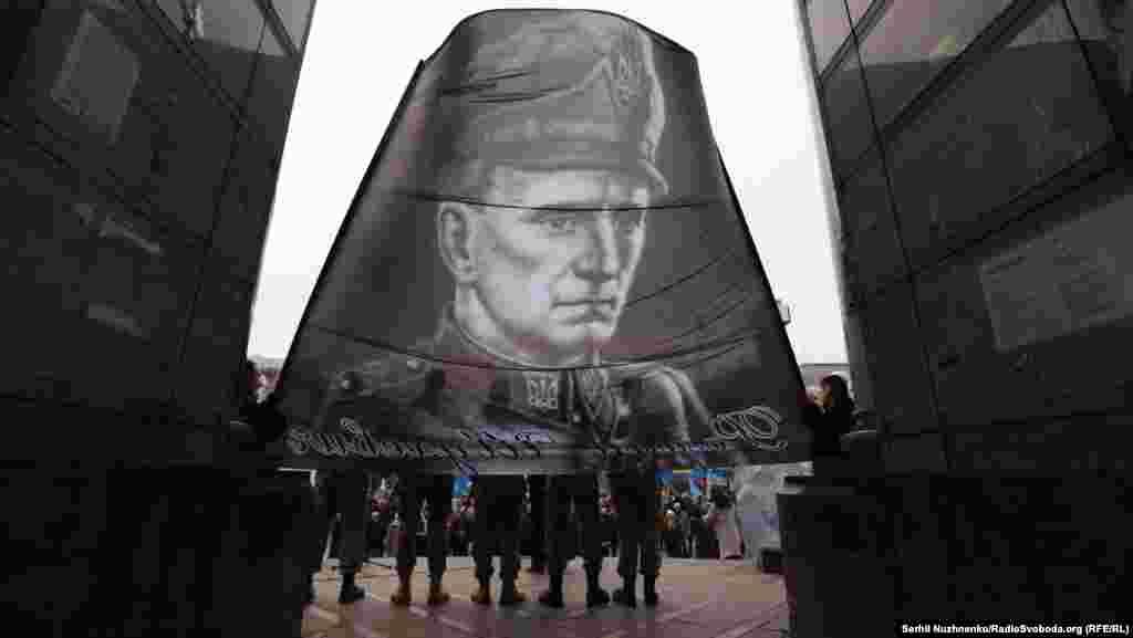 Головний командир УПА Роман Шухевич (1907–1950) загинув у бою із представниками МДБ СРСР в селі Білогорща (нині у складі міста Львова)