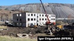 Хакасия. Строительство домов для погорельцев (архивное фото)