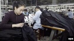 Китайский ширпотреб по-прежнему остается востребованным в мире, но объем китайского экспорта уже уступают объему импорта
