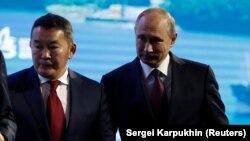 Владимир Путин менен Халтмаагийн Баттулга.
