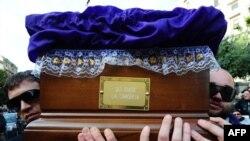 В католической Италии принято строго соблюдать традиционную церемонию похорон
