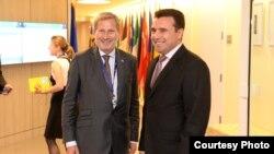 Премиерот Зоран Заев во Њујорк се сретна со еврокомесарот за преговори за проширување Јоханес Хан.