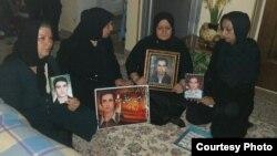 دیدار چند تن از مادران قربانیان ۸۸ با مادر احمد نجاتی کارگر