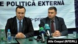 Corneliu Gurin şi Victor Chirilă, directorul executiv APE