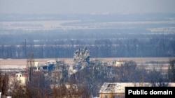 Донецький аеропорт після останніх обстрілів: диспетчерської вежі більше немає, 13 січня 2015 року