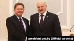 Ігор Кизим (Л) і Олександр Лукашенко