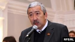 Кыргызстан коммунисттер партиясынын лидери Исхак Масалиев.