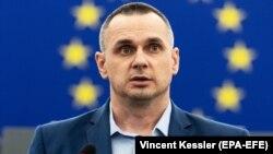 Український кінорежисер, колишній політв'язень Кремля Олег Сенцов у Європейському парламенті. Страсбуг, 26 листопада 2019 року