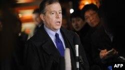Специальный посланник США по Северной Корее Глин Дэвис на пресс-конференции в Пекине