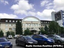 Колишня будівля обласної прокуратури, нині так звана «Генеральна прокуратора ЛНР»