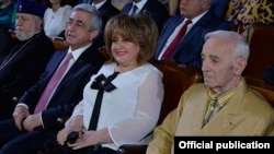Armenia - President Serzh Sarkisian, his wife Rita and other dignitaries at an award ceremony in Yerevan, 28May2017.