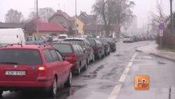 Российские пограничники не пропускают литовские машины
