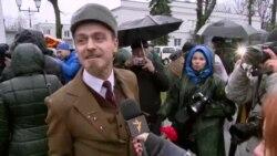 Пад воклічы «Ганьба!» адкрылі помнік Леніну ў Менску