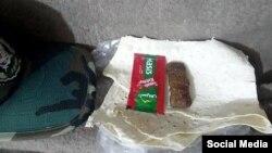 در شبکههای اجتماعی، در توضیح این عکس نوشته شده «شام یک سرباز در ایران»