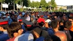 Таҷаммӯи мусофирони норозӣ дар Фурудгоҳи Душанбе