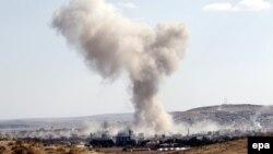 دود ناشی از بمبارانهای مواضع داعش در کوبانی توسط ائتلاف بینالمللی به رهبری آمریکا