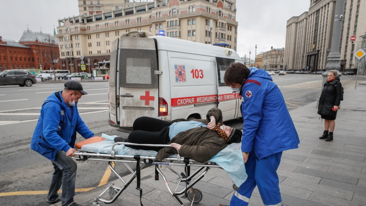 All The Hospitals Are Full': Russia's Health-Care System Scrambles As COVID-19  Cases Rise