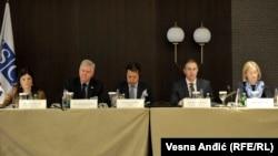"""Razmena informacija bezbednosnih službi zemalja u regionu i presecanje veza organizovanog kriminala vitalni su za sprečavanje terorizma (skup """"Nasilni ekstremizam u jugoistočnoj Evropi"""" u Beogradu)"""