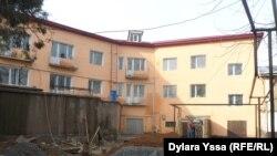 Общежитие № 15, в котором проходит ремонт. Шымкент, 13 января 2016 года.