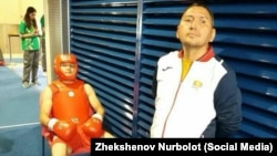 Туратбек Сулайманкул уулу с тренером.