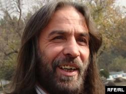 د کابل پوهنتون د حقوقو او سیاسي علومو استاد نصرالله ستانکزی