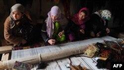 Духтарони қолинбофи Мазори Шариф