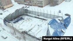 Ледовый каток с обрушившейся кровлей и стенами. Петропавловск, 21 декабря 2016 года.