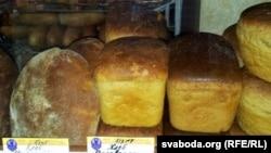 Хлеб на прилавке. Иллюстративное фото.
